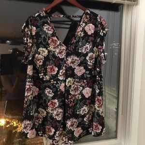 Halogen Tops - Halogen floral swing blouse